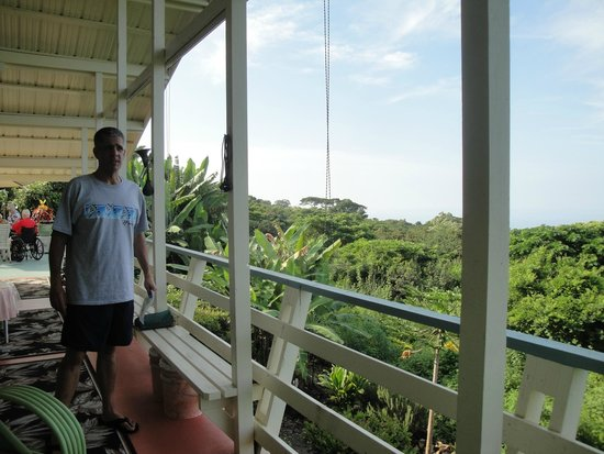 Hale Ho'ola B&B: From out private porch