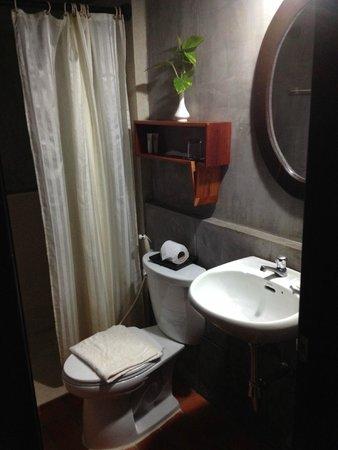 Villa Medamrei: bathroom