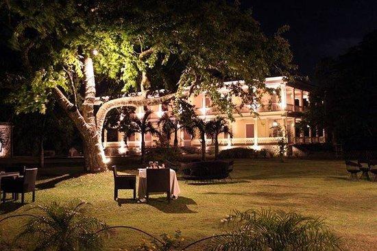 La table du ch teau by night foto di la table du chateau - La table marseillaise chateau gombert ...