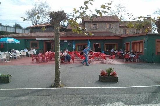 Terraza picture of parrilla el parrau oviedo tripadvisor for Terrazas oviedo