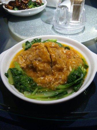 Jian'guo 328 Xiaoguan: A large pork ball with Crab gravy. RMB38