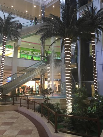 Jazan, Arábia Saudita: The mall from another angle