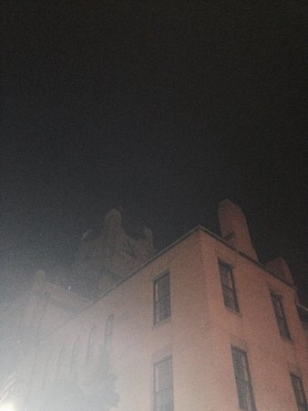 Savannah Hauntings Ghost Tour: Spooky