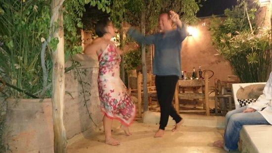 Riad Tibibt: Dîner sur la terrasse