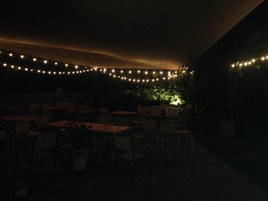 Osteria La Campanara: Giardino