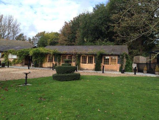 Tonge Barn: Lovely garden rooms
