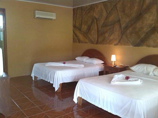 """Hotel Sueno Dorado & Hot Springs: Habitacion cuadruple """""""
