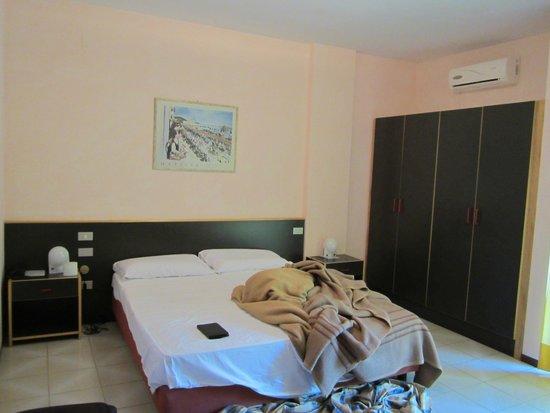 Hotel Primavera : bed