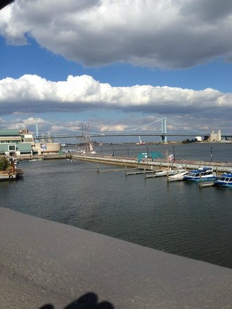 Independence Seaport Museum: Walt Whitman Bridge