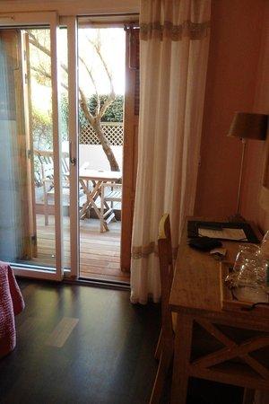 Hotel des Dunes : baie qui s'ouvre sur la terrasse