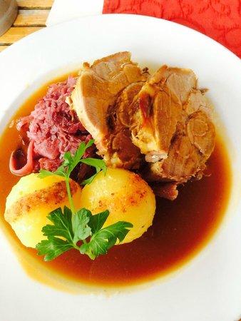Mohrenplatz Wirtshaus & Schmankerlmarkt: Pork loin and dumplings