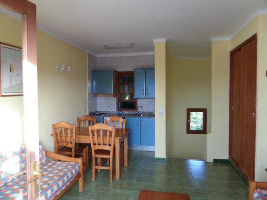 Aparthotel Ses Cases d'Or: Kitchen area