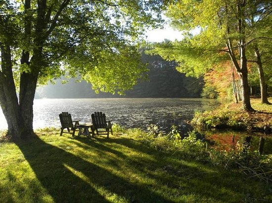 On Cranberry Pond Bed and Breakfast: Just sit and relax and enjoy the scenery