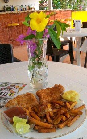 El Palmar, ปานามา: Pescado Frito FRESCO...8.50 filete o 9.50 entero
