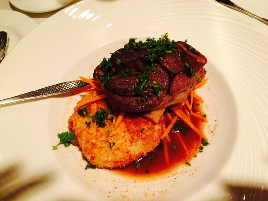 The Cellars Restaurant: Veal Entree was Excellent!