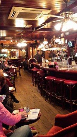 De Bar Voorin Foto Van De Dikke Van Dale Leeuwarden Tripadvisor
