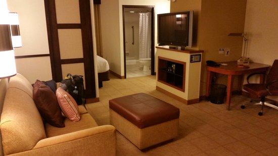 Hyatt Place Lakeland Center: Sitting area in the room