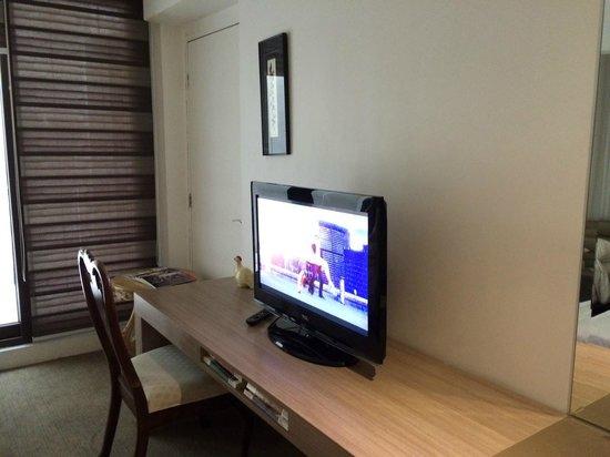 The E-Hotel Makati: Room