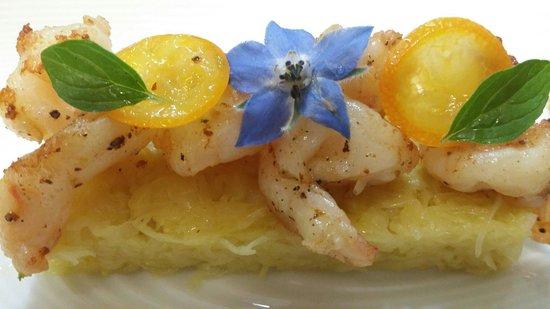 Restaurant A L'Agneau D'Or : Gambas au poivre timut sur choucroute aux agrumes