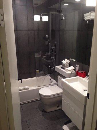 309 bathroom. Amazing shower!