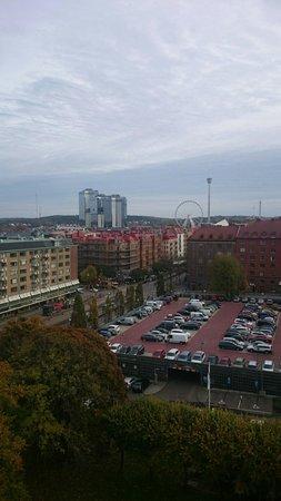 Elite Park Avenue Hotel: Вид из окна