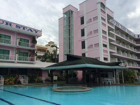 Wild Orchid Resort: pool