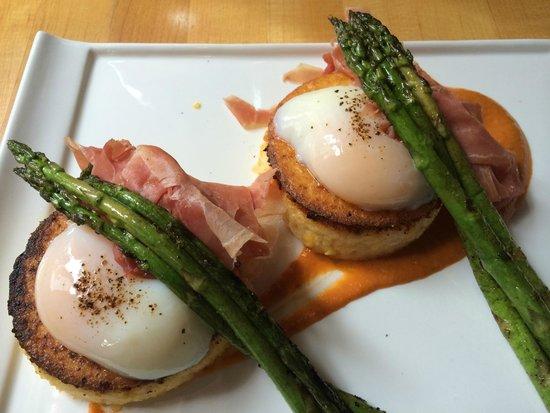 The Market Place Restaurant: Eggs Benton