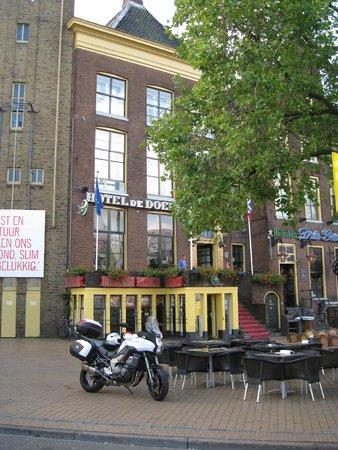 Hotel de Doelen : Entrance to hotel