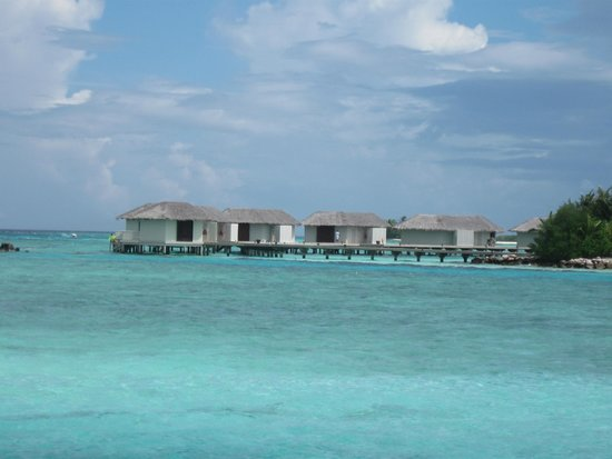 balcony on water bungalow picture of cinnamon dhonveli. Black Bedroom Furniture Sets. Home Design Ideas