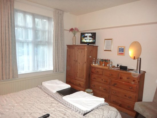 Meadowcroft Country Guest House: lovely room