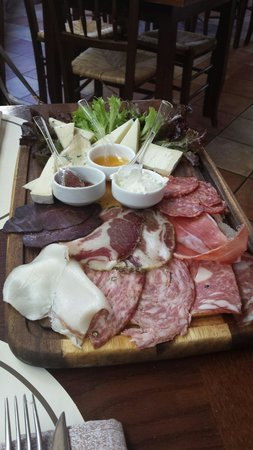 La Piazzetta : Gran antipasto :-)
