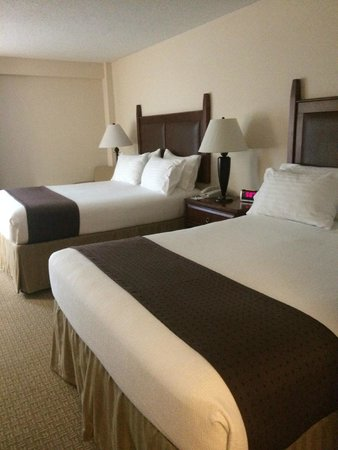 Holiday Inn Hotel & Suites Asheville Downtown: Beds