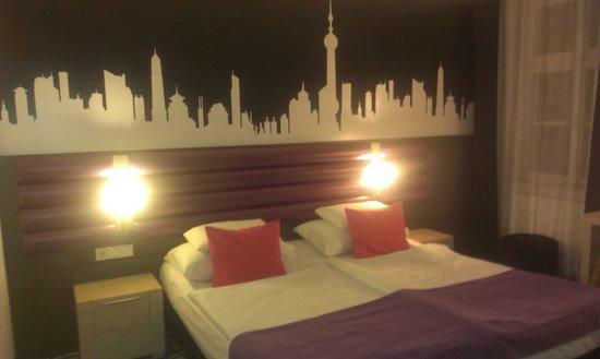 Cosmo City Hotel: habitacion 4° planta