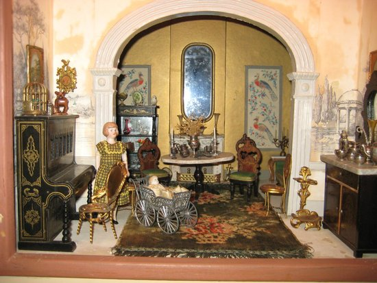 The Forde Doll & Doll House Collection