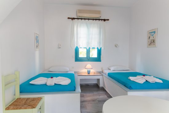 Ragousis Apartments: Studio with 2 single beds
