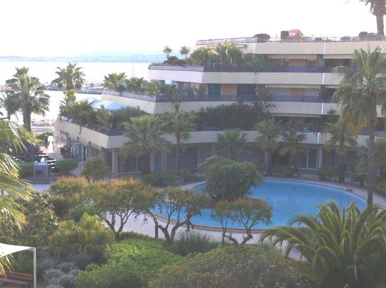 Holiday Inn Nice - Saint Laurent Du Var: Pool area