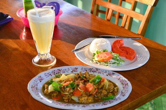 The Little Kitchen: Chicken curry