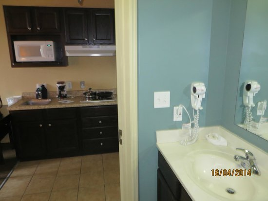 Suburban Extended Stay Hotel Camp Lejeune: bathroom