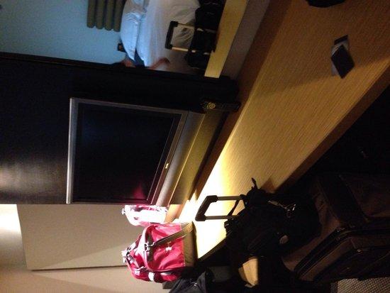 Hilton Toronto / Markham Suites Conference Centre & Spa: Livingroom
