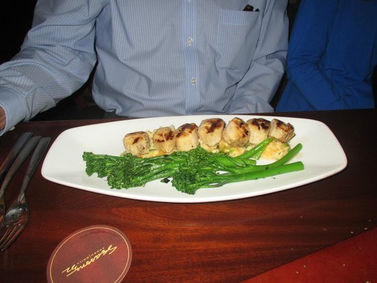 Seasons 52 : Scallop dish
