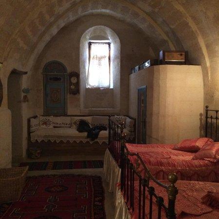 Buyuk Sinasos Konagi: odamız