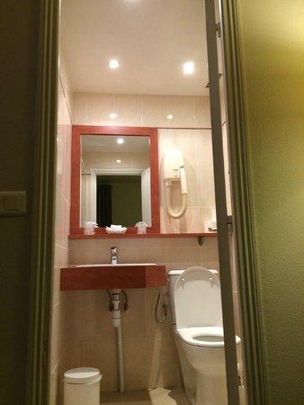 Hotel de Geneve: La salle de bain