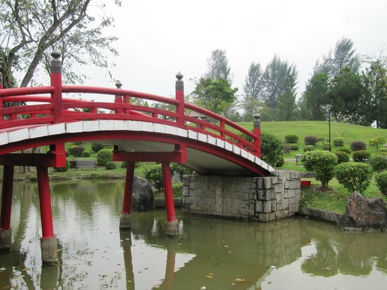 Japanese Garden Bridge - Picture of Chinese and Japanese Gardens ...