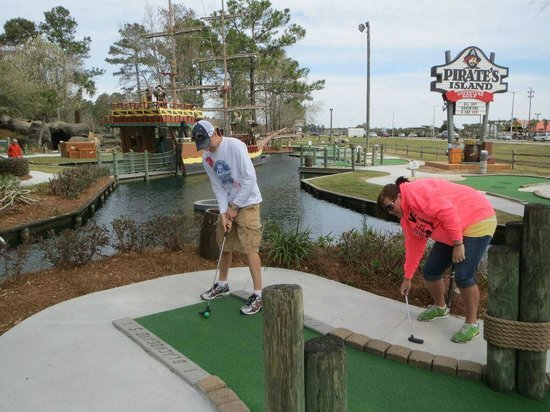 Pirate's Island Adventure Golf: Treven + Brittany Mini-golf