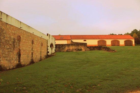 Quinta Da Alcaidaria-Mor : Exterior of grounds buildings