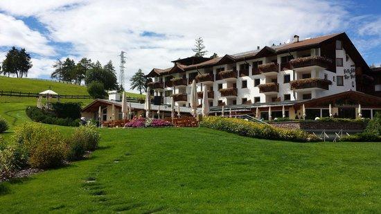 Hotel Pinei: L'albergo Panider Sattel, o Passo Pinei - Settembre 2014