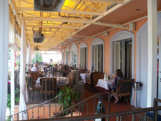 Le Lafayette French Restaurant: Lovely outdoor terrace