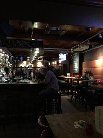 Durty Nelly's Inn: Bar