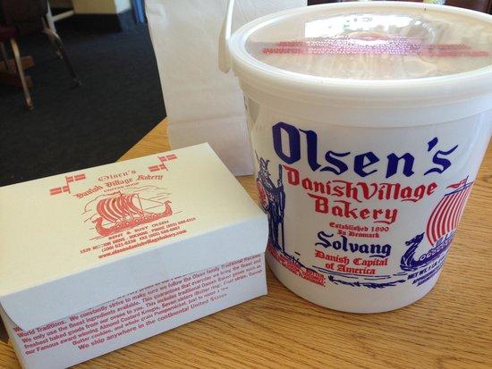 Olsen's Danish Village Bakery: Bucket of butter cookies