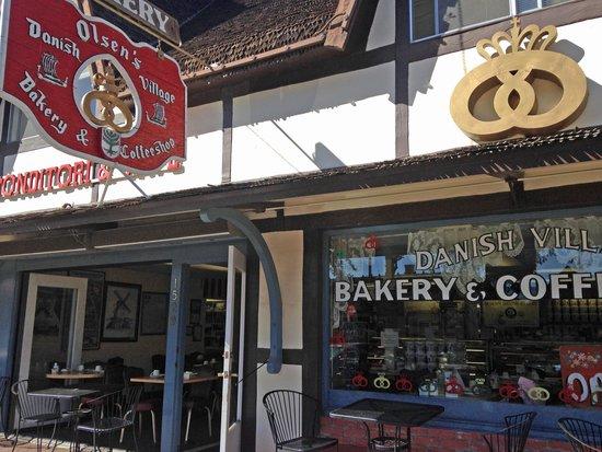 Olsen's Danish Village Bakery: Front of Bakery
